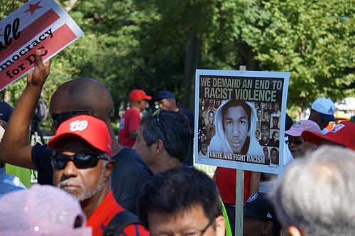 Manifestations en la mémoire de Trayvon Martin aux USA par Keth Ivey via Flickr