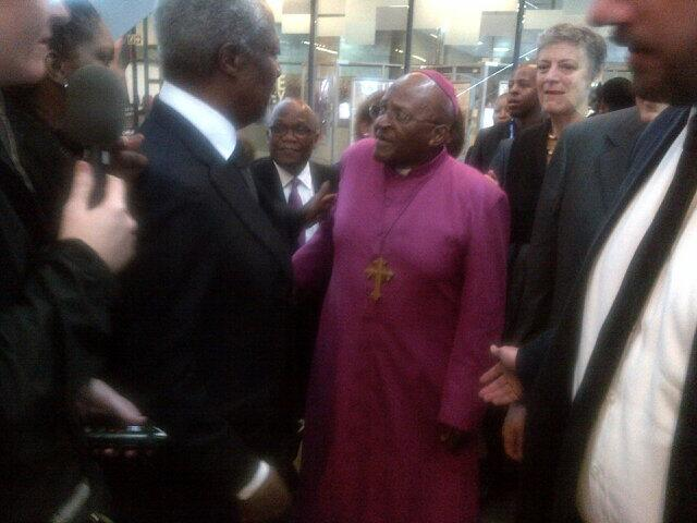 Koffi Anan et Desmond Tutu. Crédit image: lefigaro.fr
