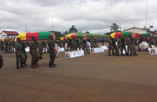 Cérémonie de levée de corps des soldats tombés à l'Extrême-Nord: Quartier général de Yaoundé le 28 août 2014.  ©Eric B. Lamere